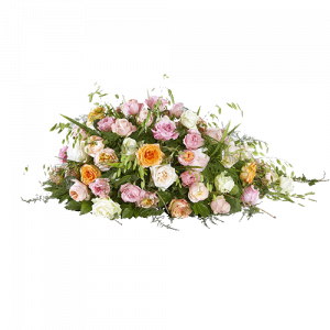 Rouwstuk in druppelvorm met rozen in lichte tinten