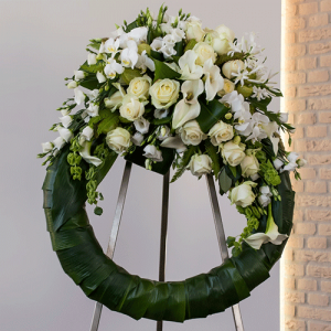 Funeral wreath with tuft