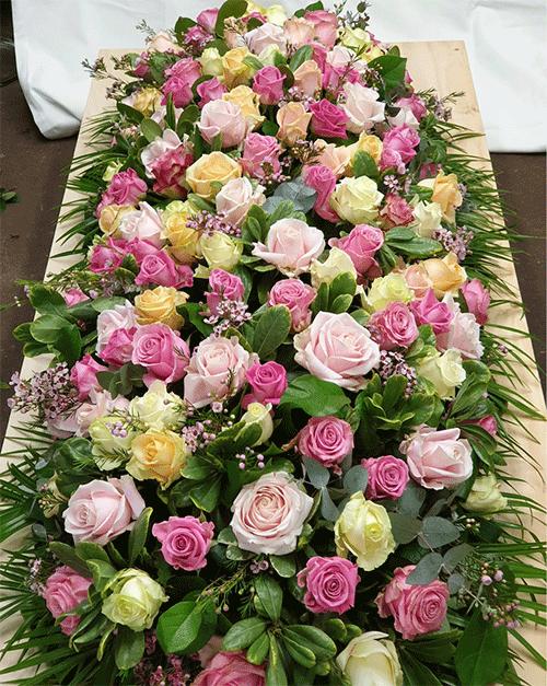kistbedekking-gemengde-rozen-Bloemenweelde-Amsterdam
