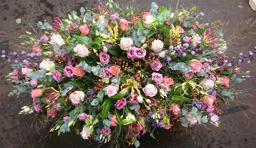 rouwstuk-seizoensbloemen-Bloemenweelde-Amsterdam
