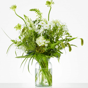 Beautiful bouquet with roses, snapdragon and phlox