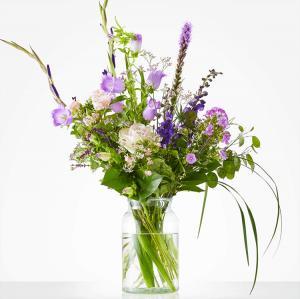 Beautiful purple / pink bouquet with gladiolus, campanula and phlox
